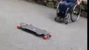 skate-en-fauteuil-roulant_6zvfr_3b2ced