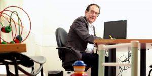 le-professeur-manuel-bouvard-patron-du-pole-psychiatrie-de_3784177_1000x500